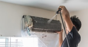 AC Technician doing AC Servicing Dubai 3